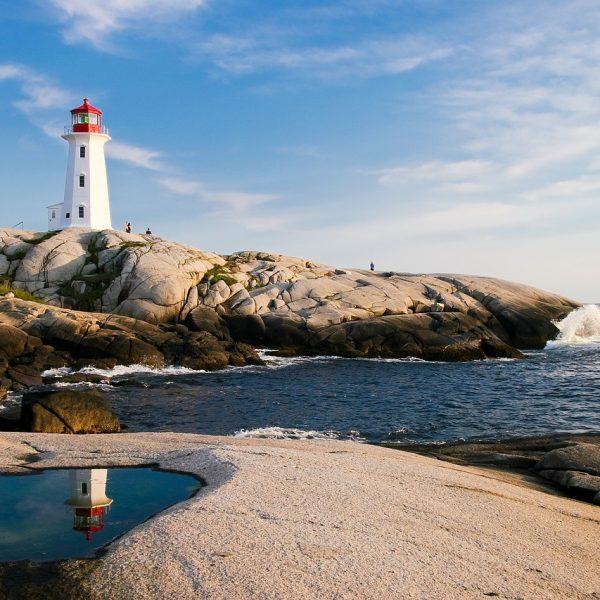 lighthouse-1872998_1280